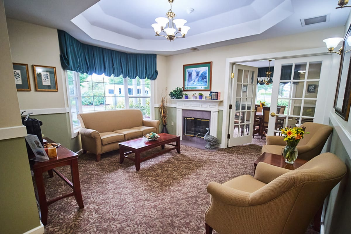Beautifully appointed common areas at Farmington Square Eugene in Eugene, Oregon
