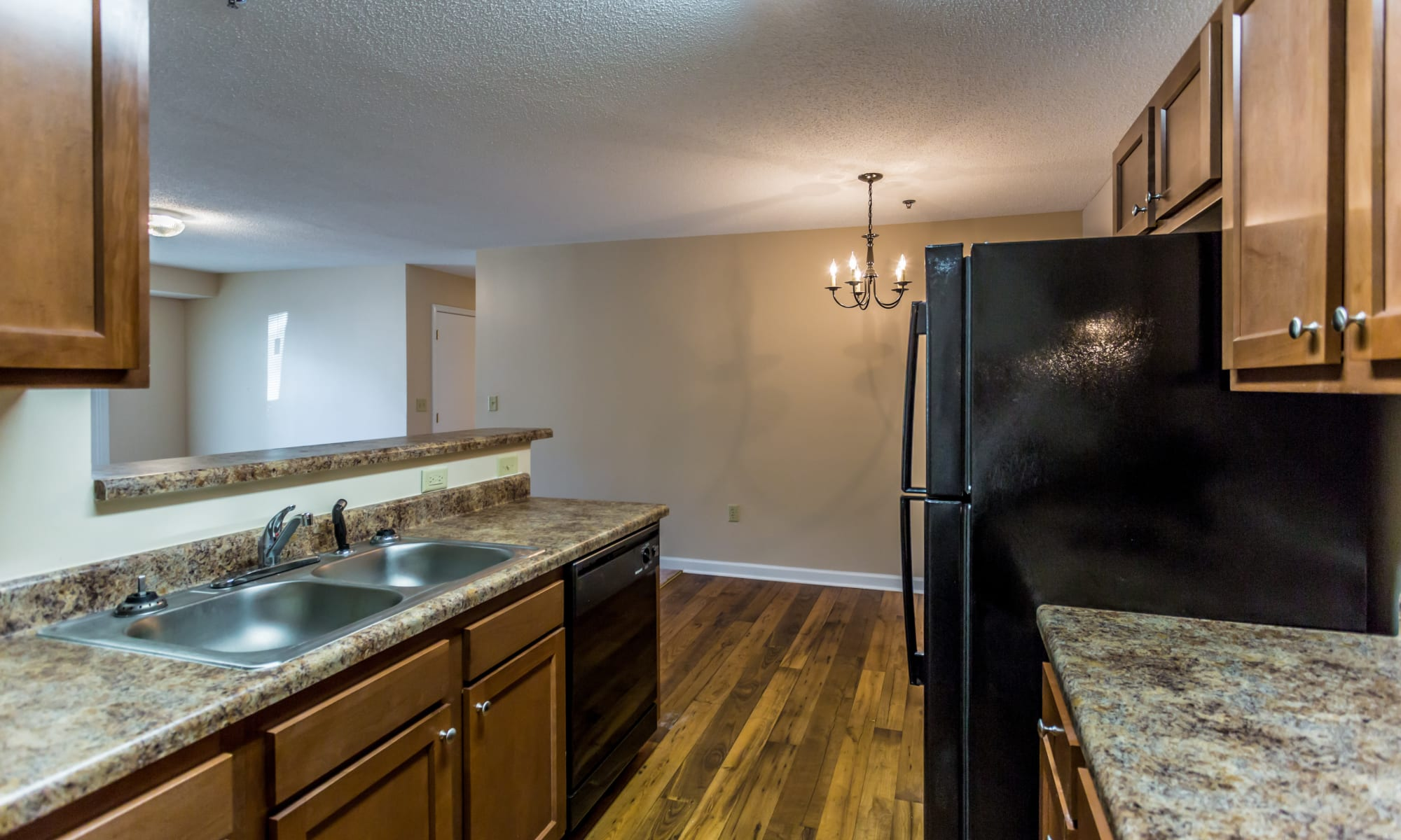 Spacious kitchen at Park Ridge Apartments in Jackson, Tennessee