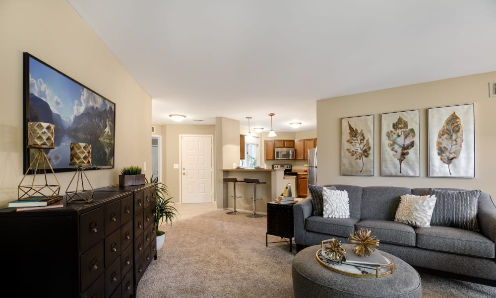 Living Room at Amberly in West Bloomfield, Michigan
