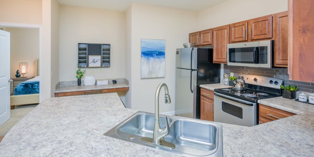 Arbor Village offers a large U-shaped kitchen in Summerville, South Carolina
