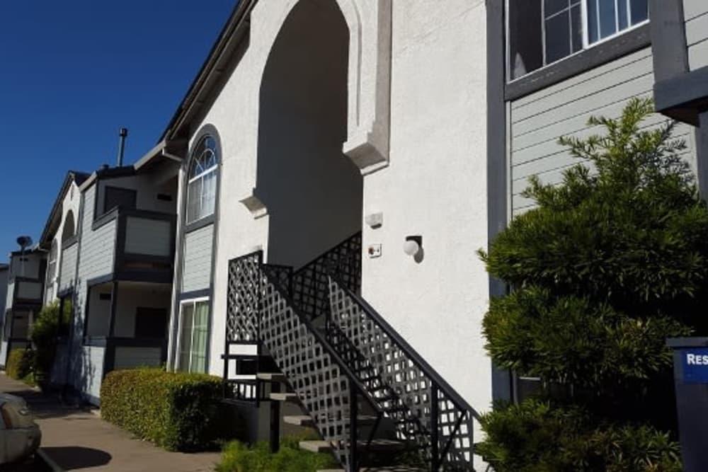 Exterior of apartments at Wyda Garden Apartments in Sacramento, California