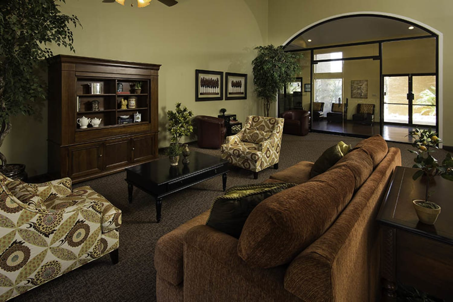 Waterford Place Apartments offer a roomy clubhouse in Mesa, Arizona