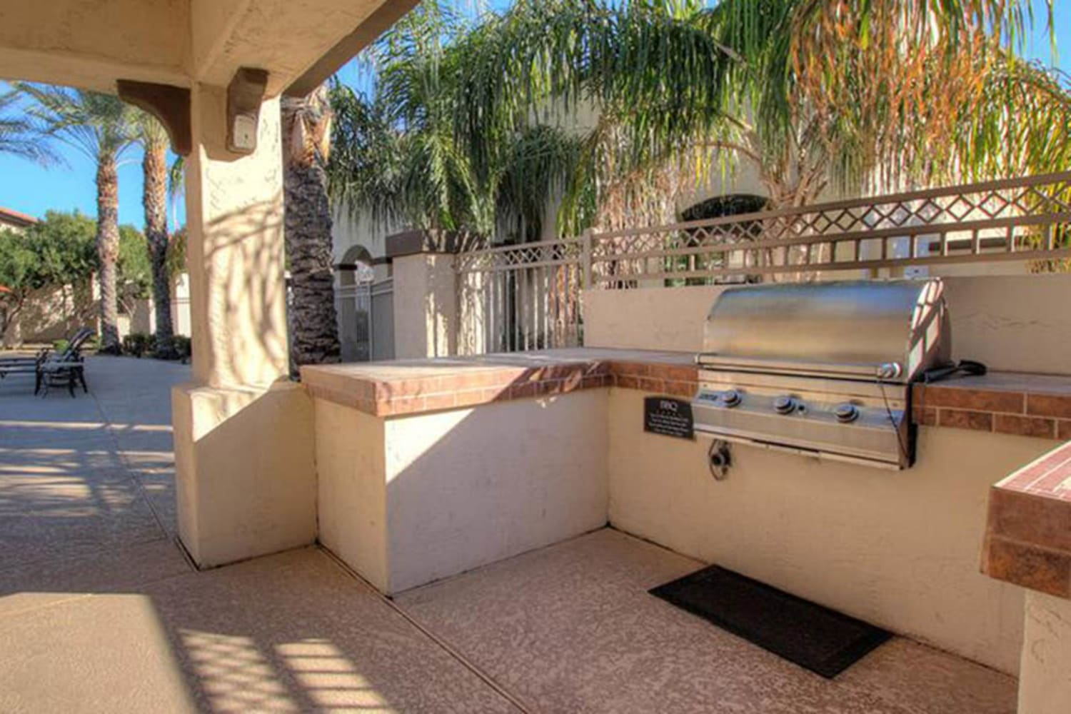 Dobson 2222 in Chandler, Arizona, offers an outdoor barbecue area