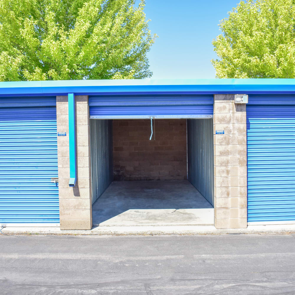 Learn about drive-up convenience offered at STOR-N-LOCK Self Storage in Cottonwood Heights, Utah