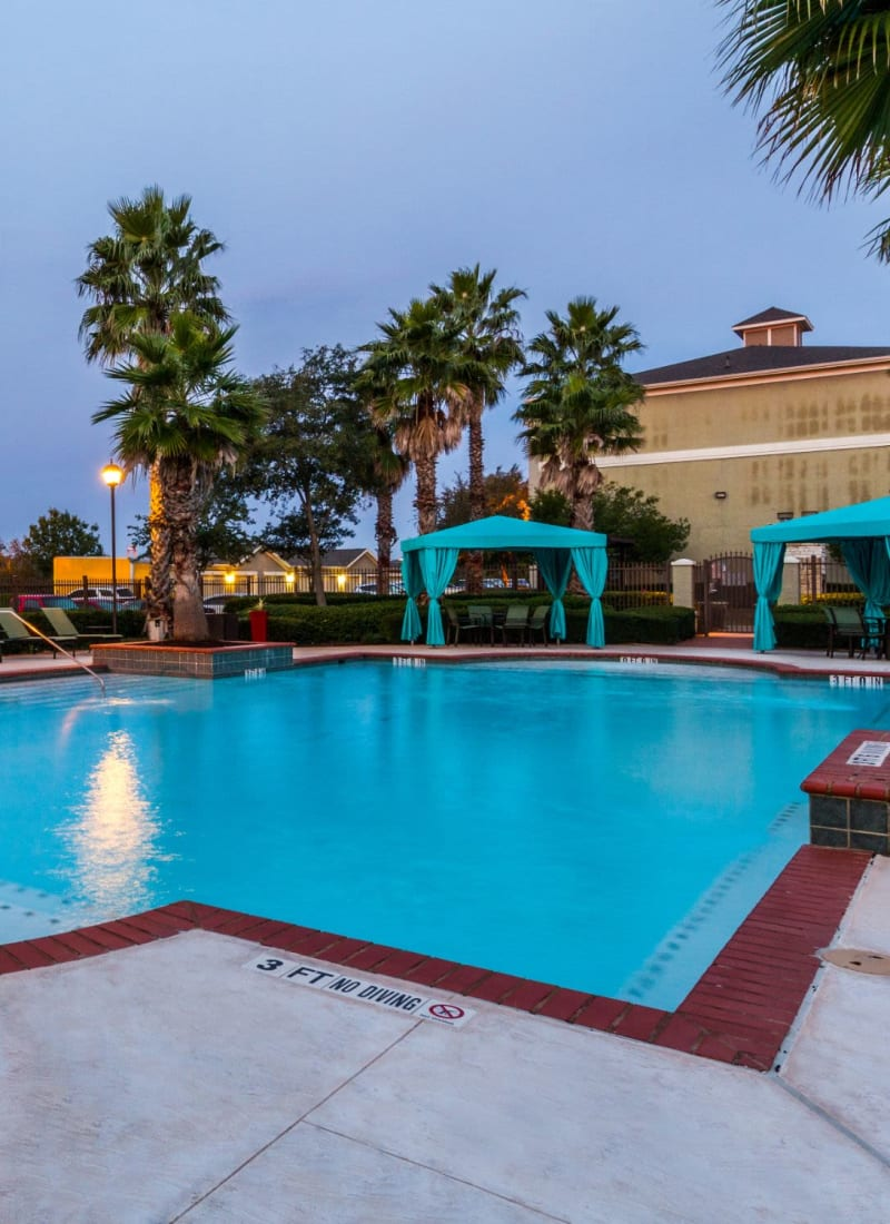 View our amenities at Marquis at The RIM in San Antonio, Texas