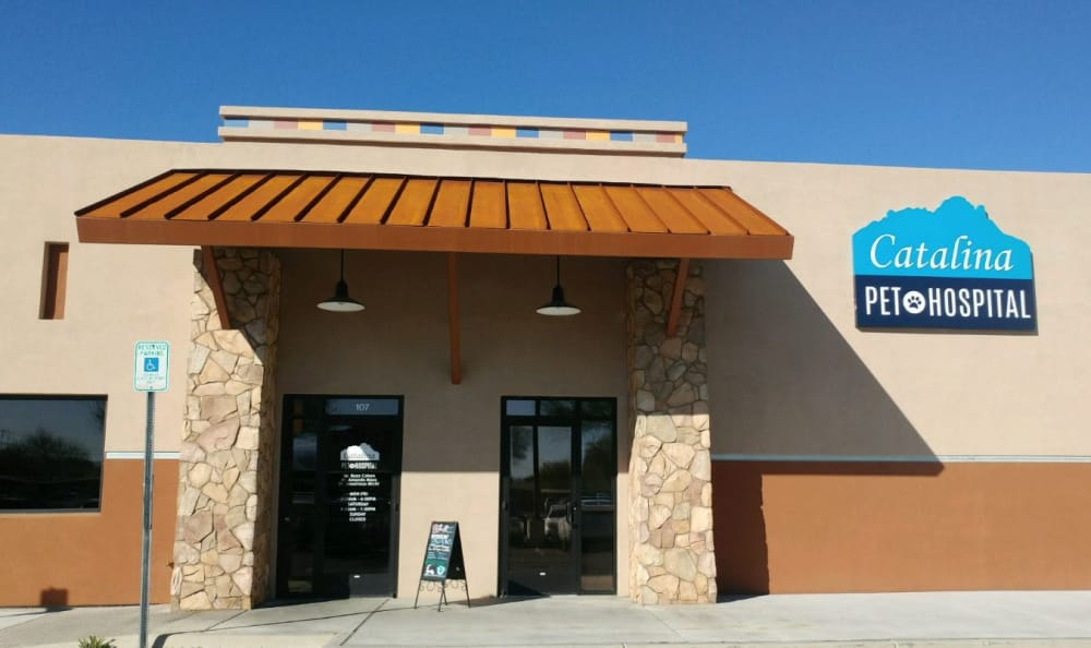 View of the exterior of Catalina Pet Hospital