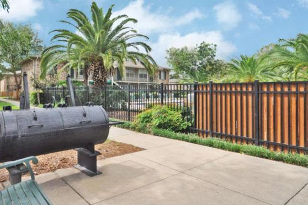 Grill area at French Colony Apartments in Lafayette, Louisiana