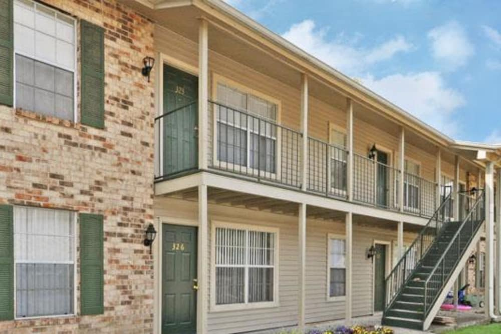 Beautiful apartments for rent at French Colony Apartments in Lafayette, Louisiana
