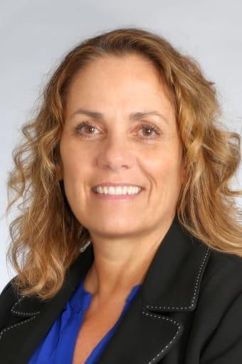 Meet Beth, VP of Operations at Discovery Senior Living in Bonita Springs, Florida