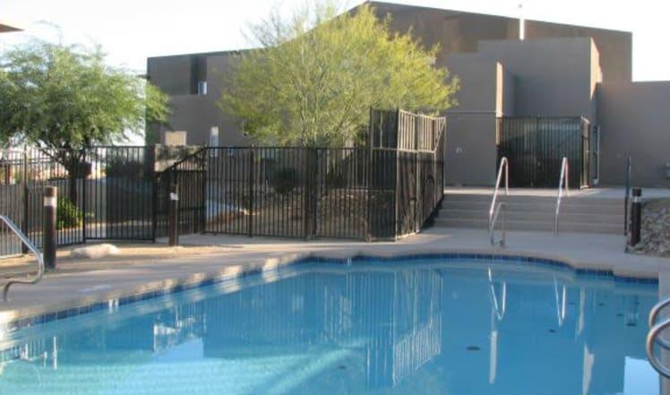 Maryland Villas poolside in Las Vegas, NV