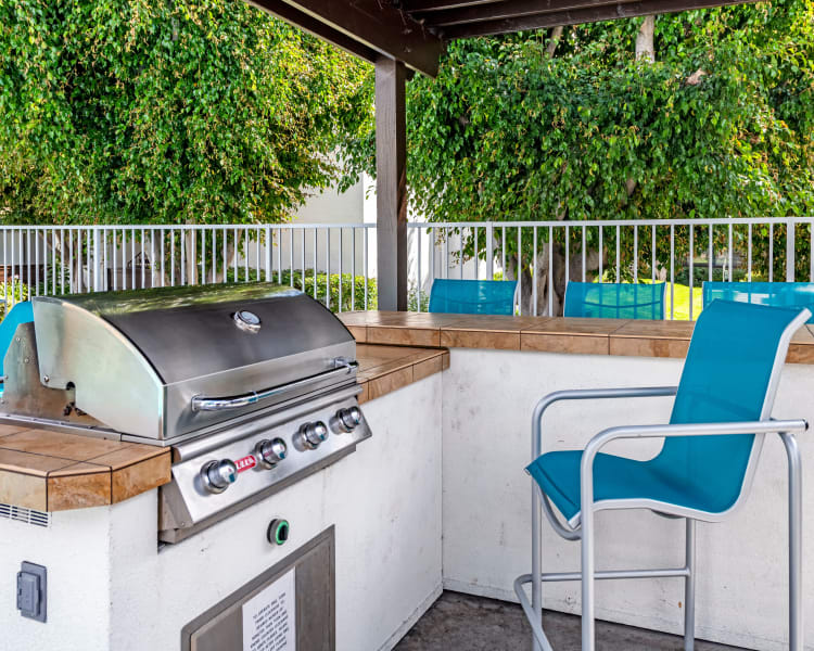 Click to see our amenities at Kendallwood Apartments in Whittier, California