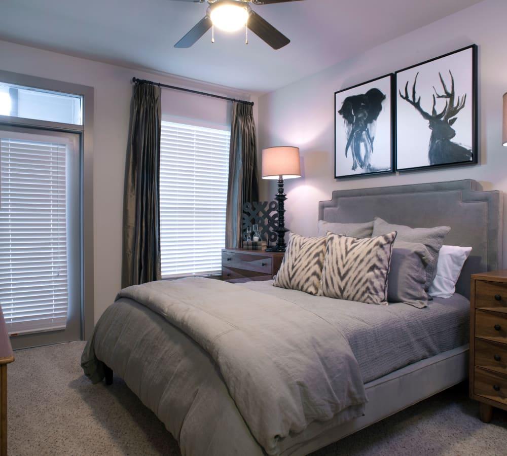 Resident bedroom at Savannah Oaks in San Antonio, Texas