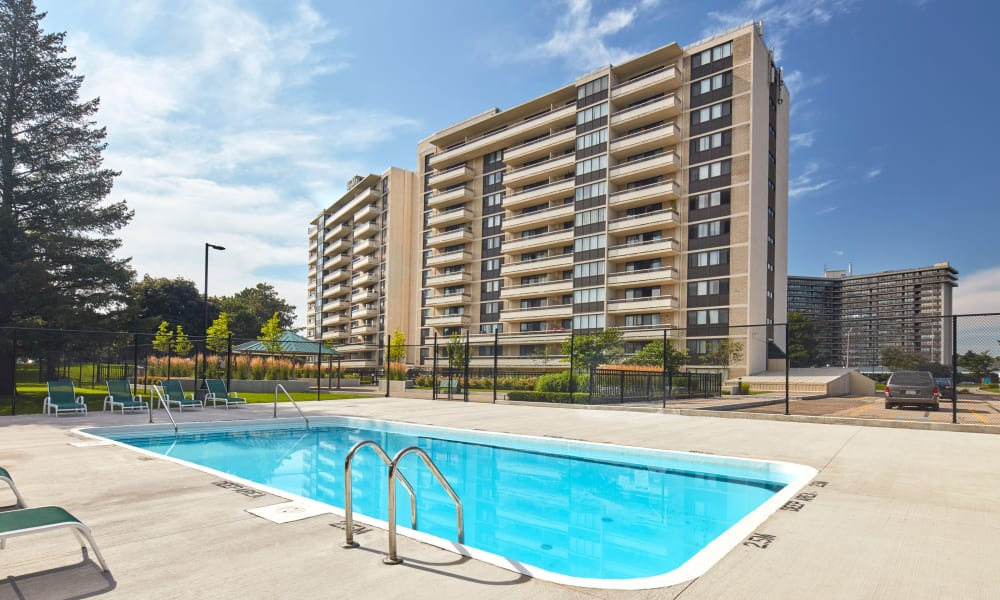Spectacular swimming pool at Applewood on the Park in Mississauga, Ontario
