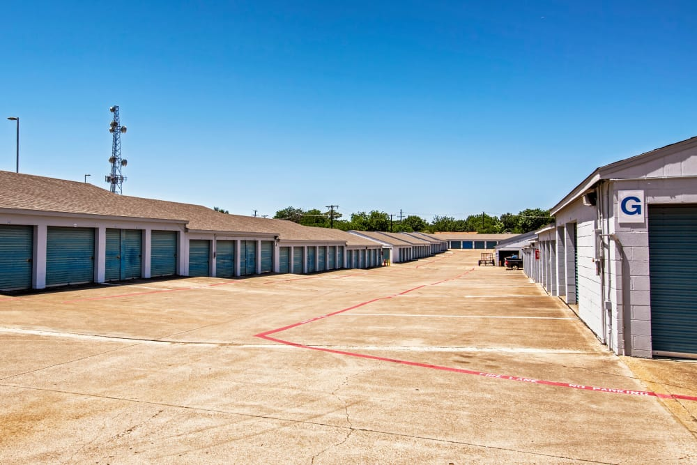 Exterior drive up units at Metro Self Storage in Euless, Texas