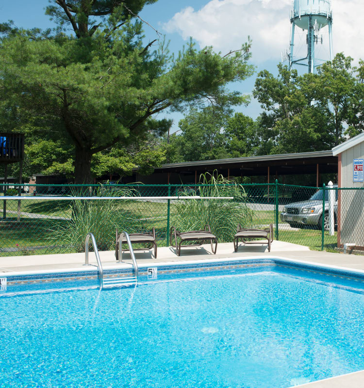Niskayuna Gardens offers a swimming pool in Niskayuna, NY