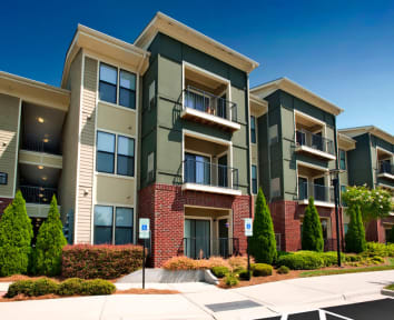 The Perimeter Lofts Charlotte NC offers beautiful apartment homes.