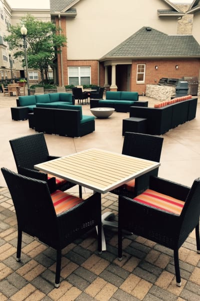 Outdoor seating area at Loring Park Apartments in Minneapolis, Minnesota