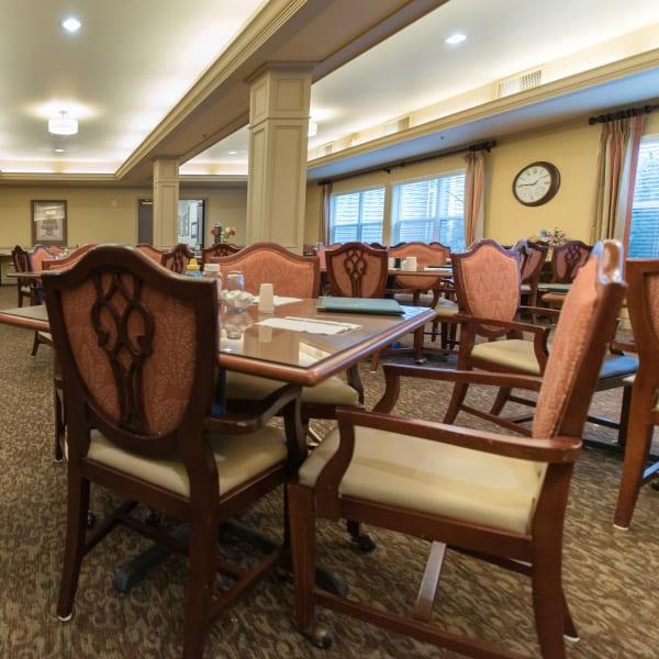 Restaurant-style dining at Kenmore Senior Living in Kenmore, Washington