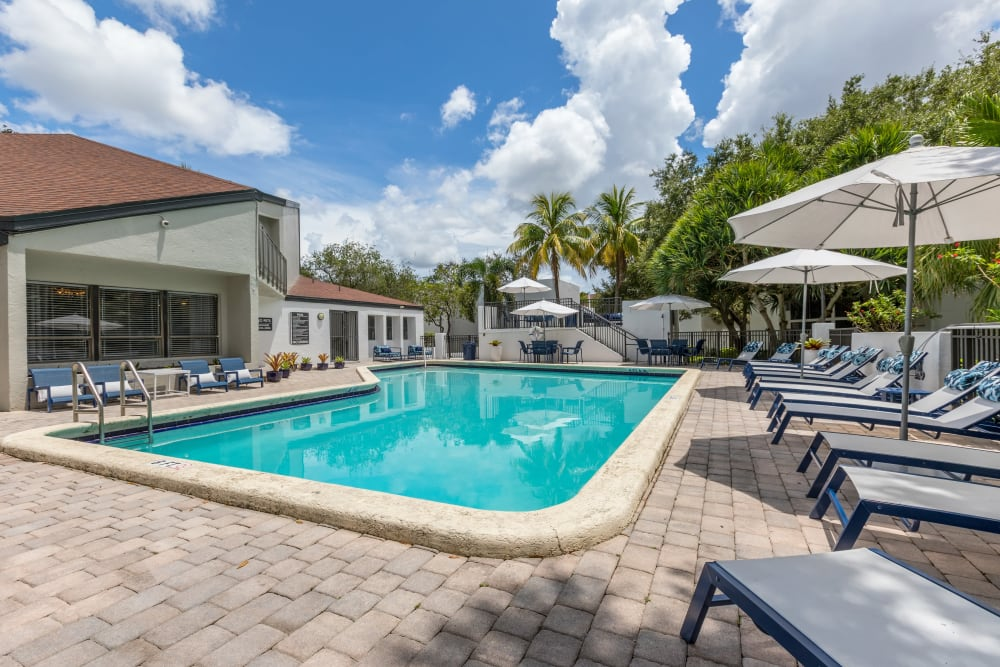 Swimming pool at Siena Apartments in Plantation, Florida