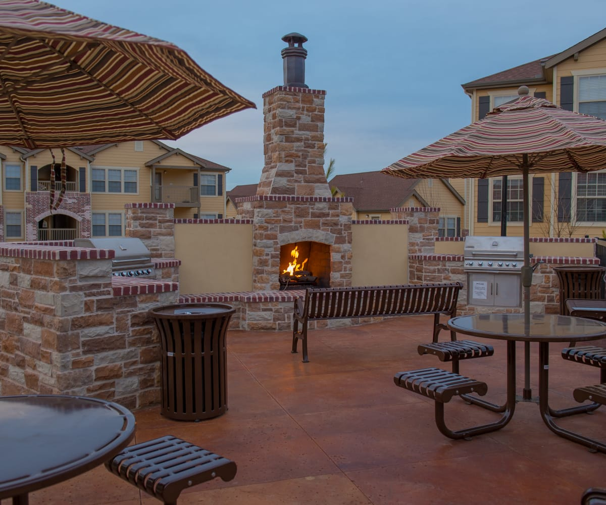 Grilling area at Park at Tuscany in Oklahoma City, Oklahoma