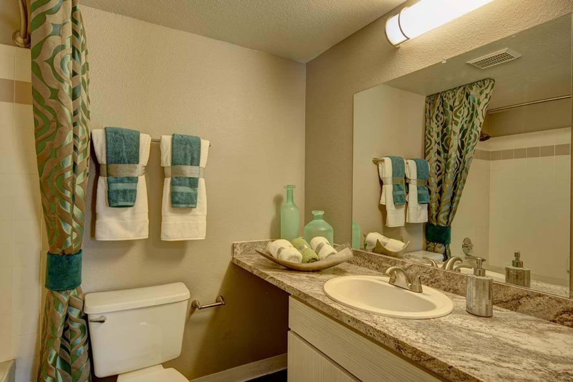 well decorated bathroom at Villas at Homestead Apartments