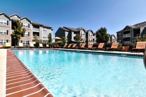 Large resident swimming pool at Aventura at Richmond in Saint Peters, Missouri.
