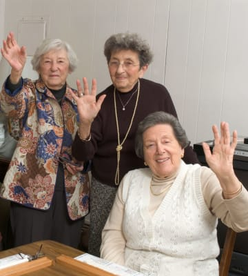 Residents playing a game at Lassen House Senior Living in Red Bluff, California