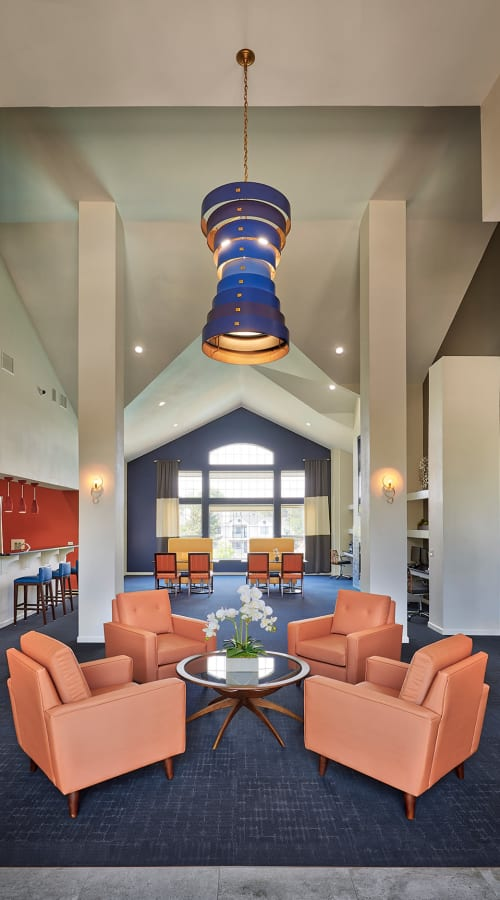 Newly Renovated Clubhouse Lounge at Villas at Homestead Apartments in Englewood