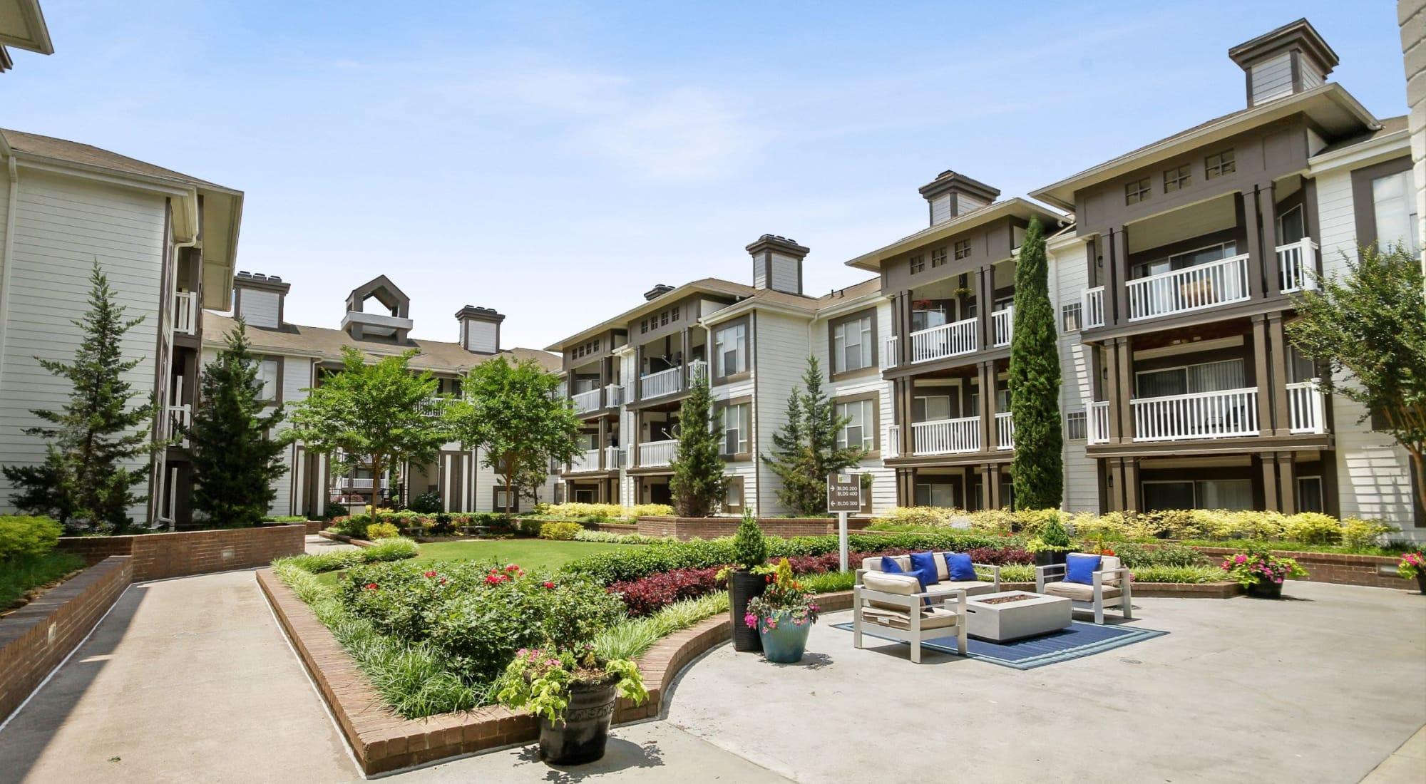 Apartments at 45Eighty Dunwoody Apartment Homes in Dunwoody, Georgia