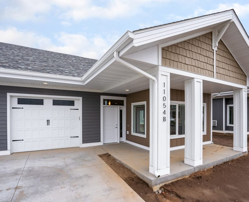 Exterior of single-level townhomes at The Fields at Arbor Glen in Lake Elmo, Minnesota