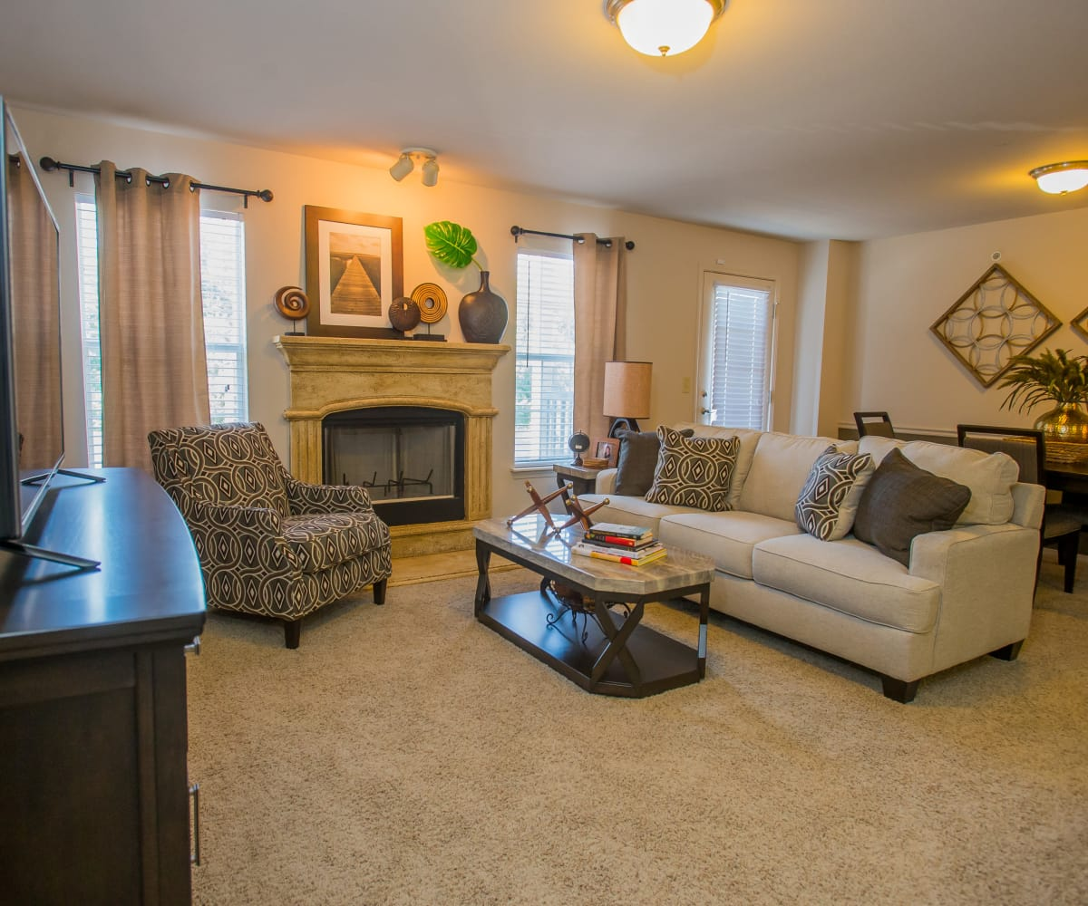 Nickel Creek Apartments living room in Tulsa, Oklahoma