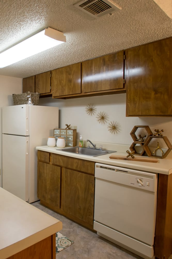 Bright kitchen at Cimarron Pointe Apartments in Oklahoma City, Oklahoma