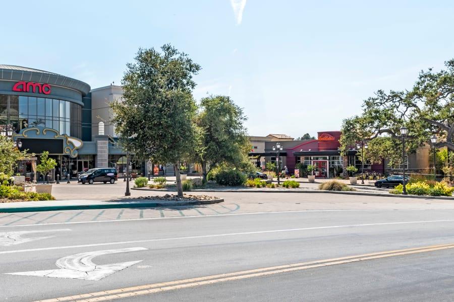 Shopping center very close to Sofi Thousand Oaks in Thousand Oaks, California