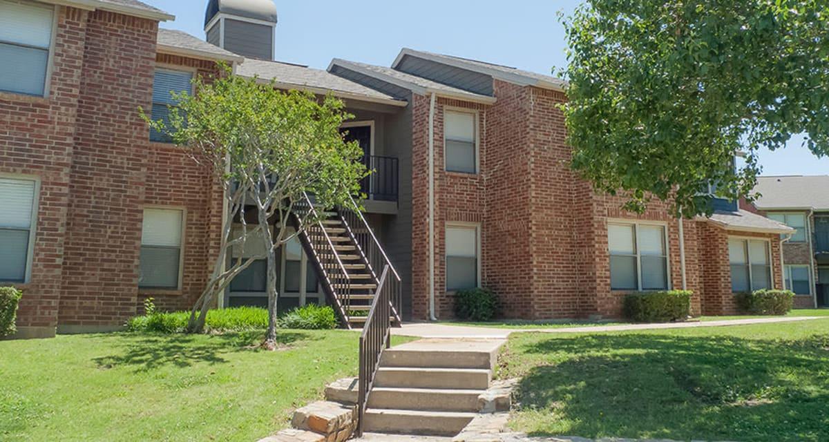 Exterior of Greentree Apartments  in  Carrollton, Texas
