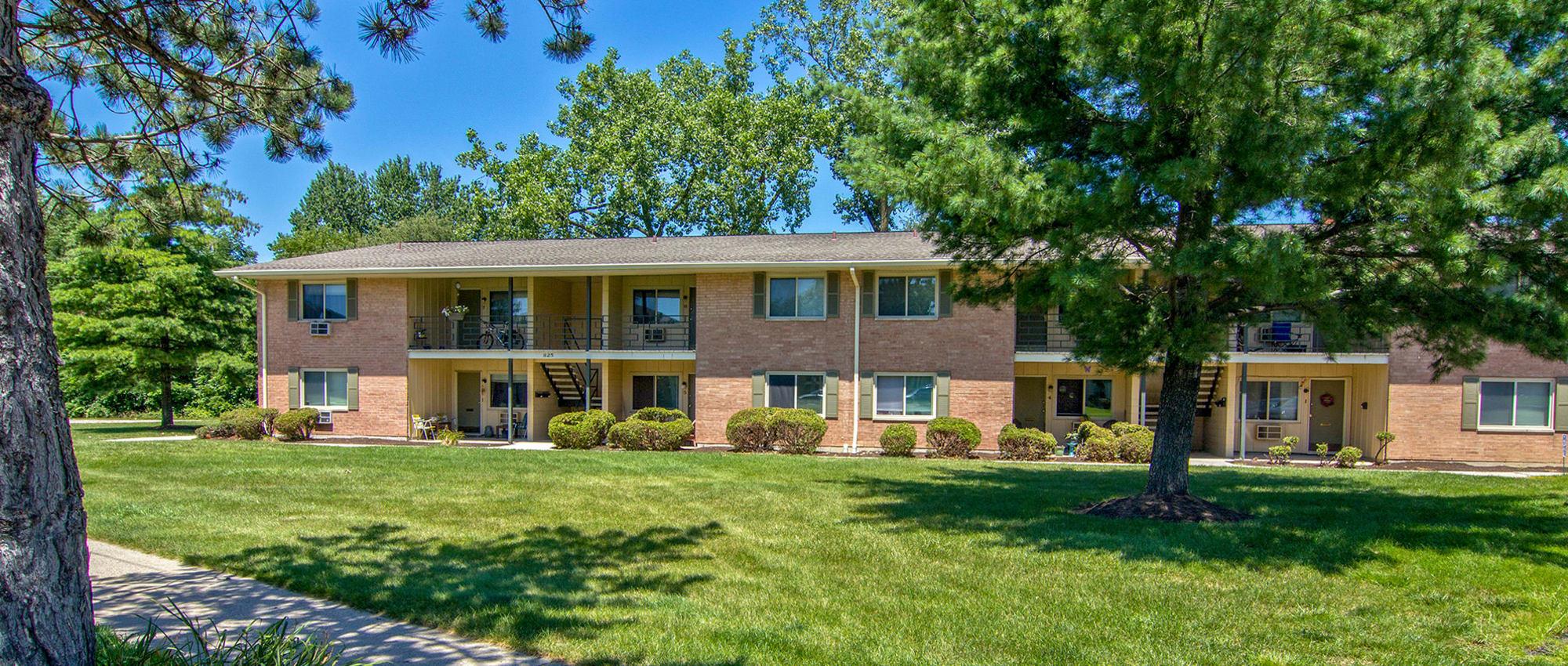 Apartments at The Summit at Ridgewood in Fort Wayne, Indiana