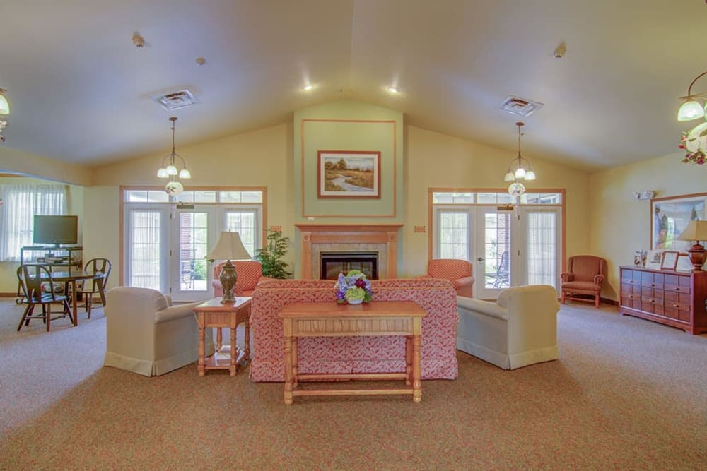 Community living space for residents at Randall Residence of McHenry in McHenry, Illinois