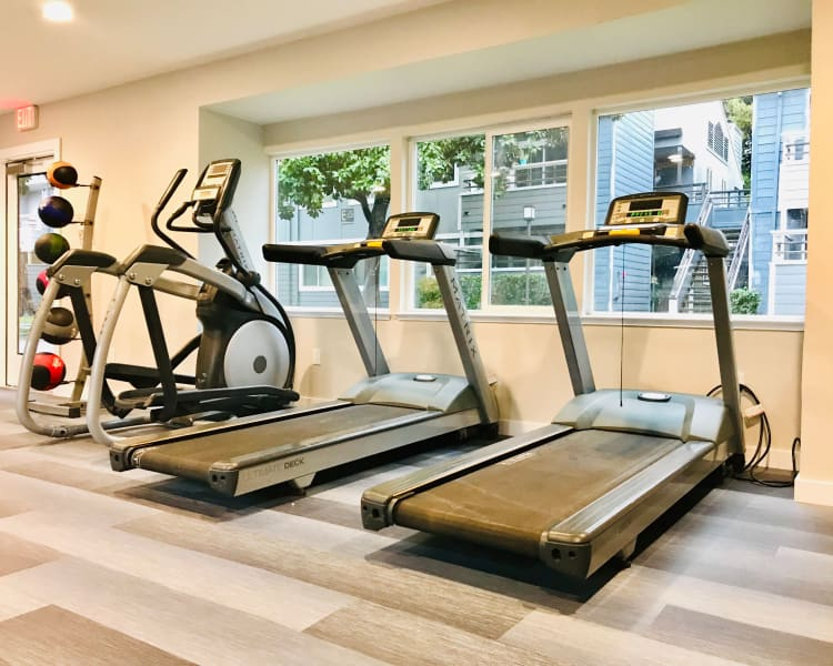 Click to see our amenities at Bennington Apartments in Fairfield, California