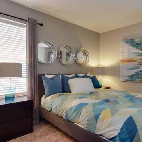 View virtual tour for 1 bedroom 1 bathroom unit at Circle at Point Park in Houston, Texas