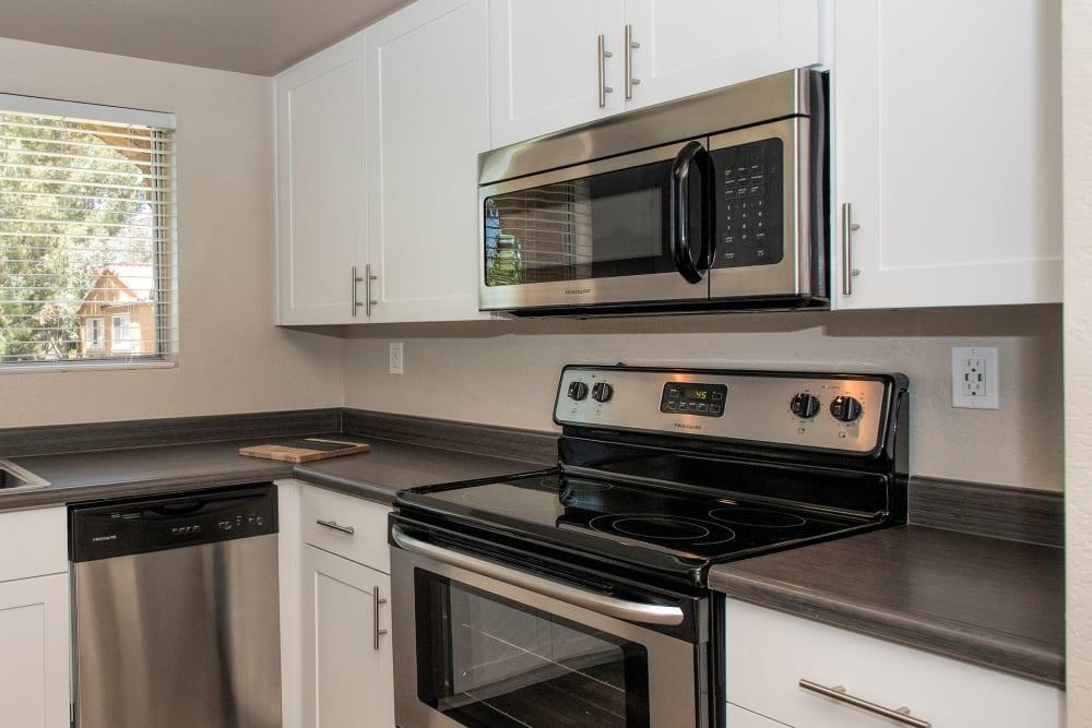 A Luxury apartment kitchen at Hidden Hills Condominium Rentals in Laguna Niguel, California