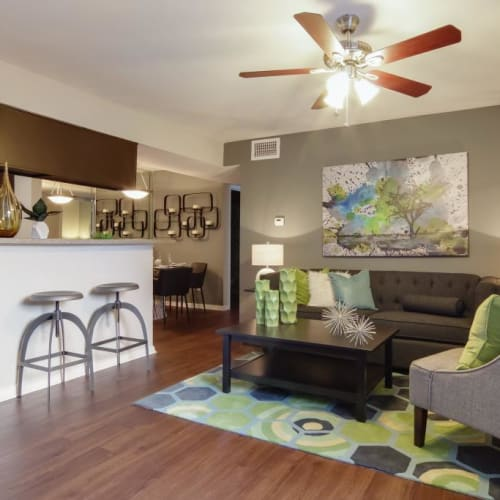 View virtual tour of a 2 bedroom 2 bathroom home at Circle at Point Park in Houston, Texas