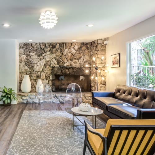 View a virtual tour of our clubhouse at Rancho Los Feliz in Los Angeles, California