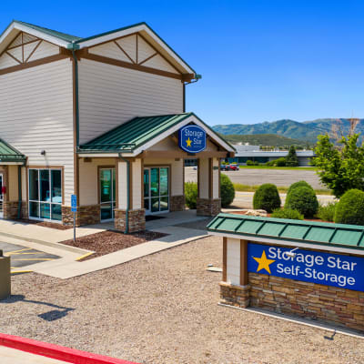 Exterior of the leasing office at Market Place Self Storage in Park City, Utah
