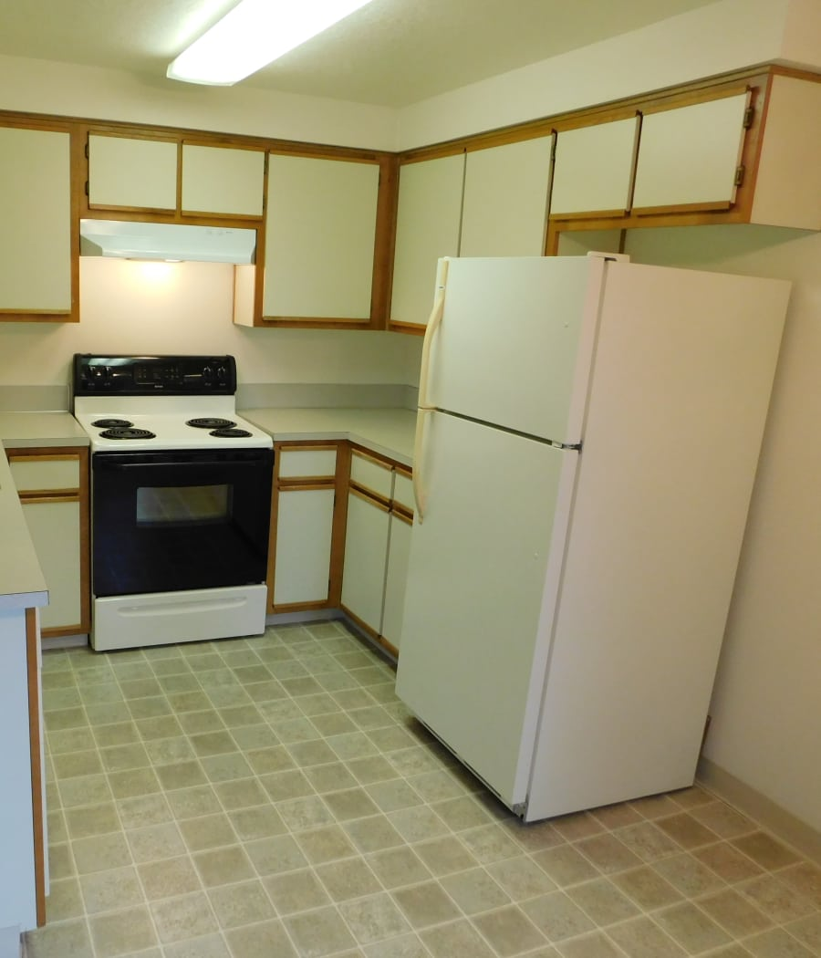 Pacific Crest offers a fully equipped kitchen in Silverton, Oregon