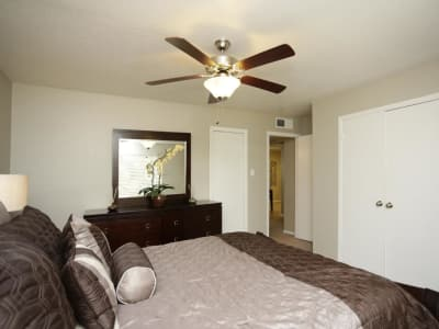 Apartments with a Washer & Dryer | Village Green Apartments