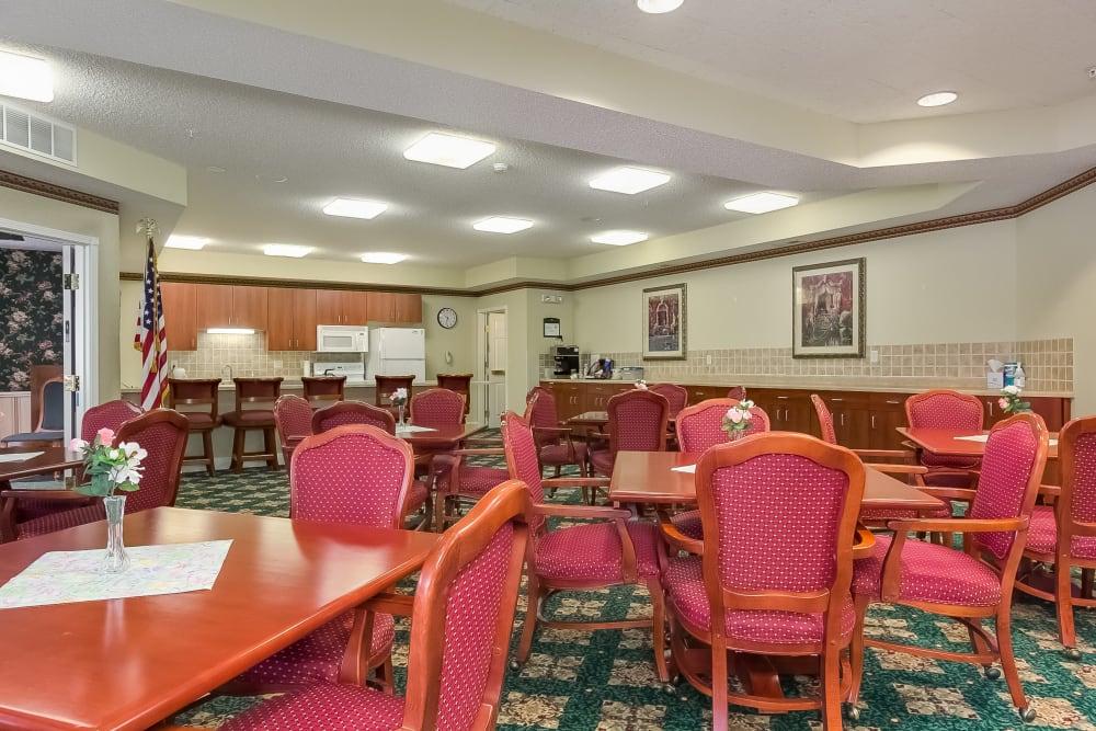 Resident dining tables at Applewood Pointe Roseville in Roseville, Minnesota.