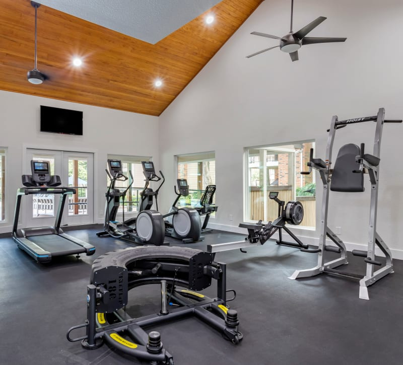 Spacious state-of-the-art fitness center at Foundations at River Crest & Lions Head in Sugar Land, Texas