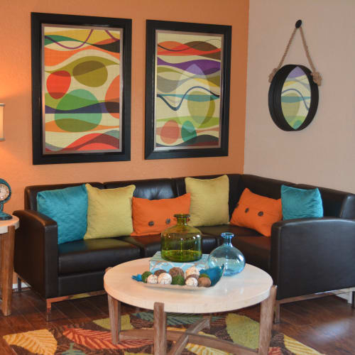 Cozy living room at The Abbey at Northlake apartments