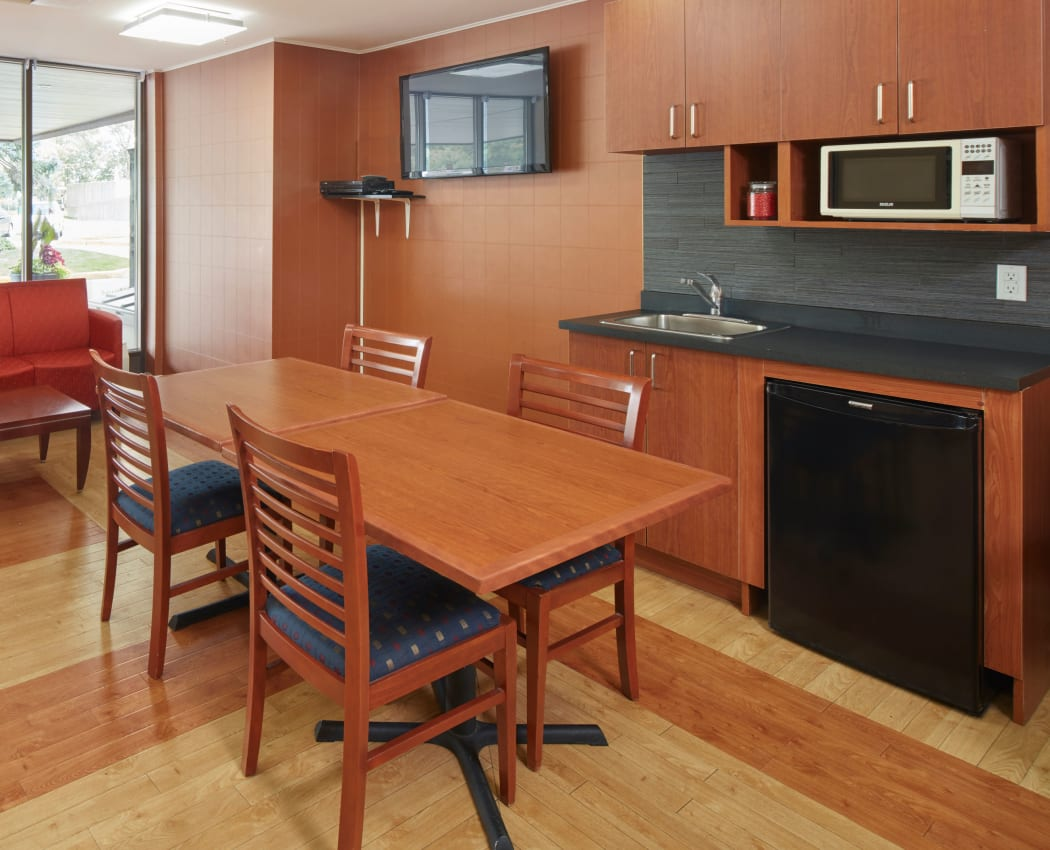 Community kitchen at Richmond Hill Apartments in Richmond Hill, Ontario