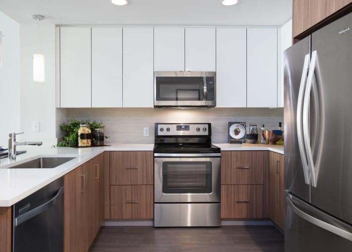 Apartment features in Dublin, California
