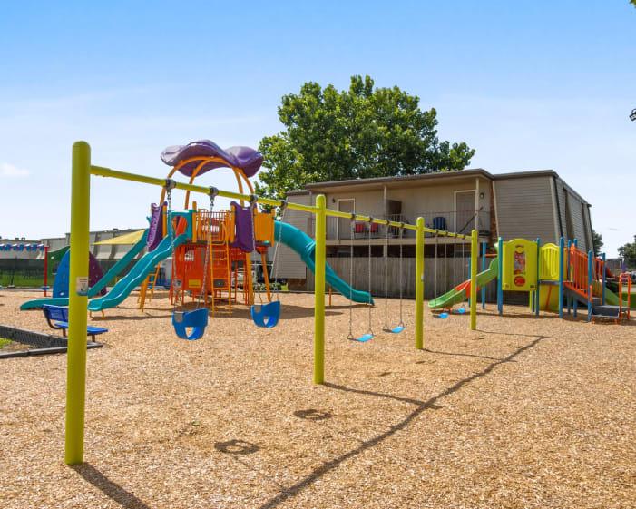 Summerfield Apartment Homes amenities in Harvey